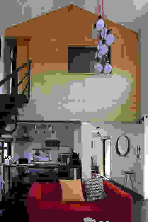 Kitchen by 아키제주 건축사사무소, Asian