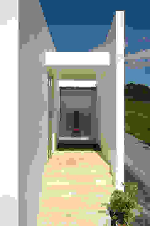 Jardines de estilo minimalista de 門一級建築士事務所 Minimalista Hormigón reforzado