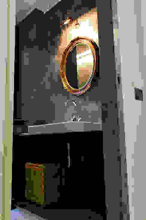 Baños de estilo minimalista de studio ferlazzo natoli Minimalista