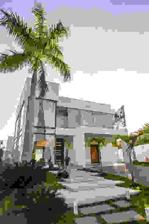 Modern houses by KAMPAI ARQUITETURA Modern Glass