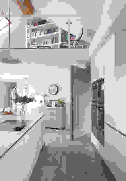 غرفة المعيشة تنفيذ Designer Kitchen by Morgan, حداثي
