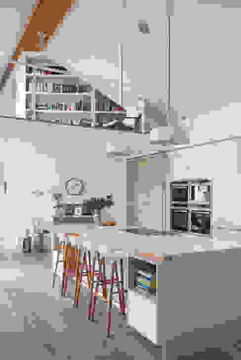 White Kitchen Designer Kitchen by Morgan Modern living room White