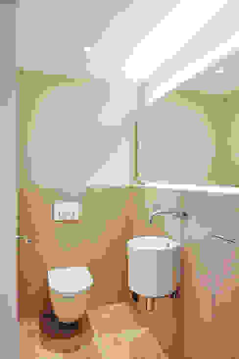 Bathroom by SALLIER WOHNEN SYLT