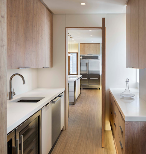 Central Park South Kitchen, New York Modern Kitchen by Lilian H. Weinreich Architects Modern Bamboo Green