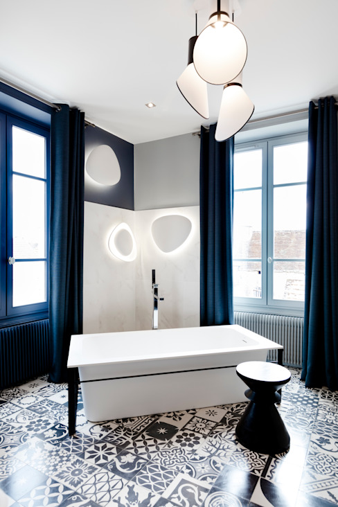Bathroom by Agence d'architecture intérieure Laurence Faure, Modern