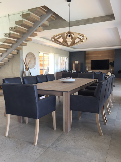 Simbithi Eco Estate Modern dining room by Margaret Berichon Design Modern Solid Wood Multicolored