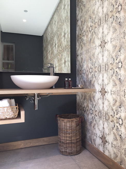 Simbithi Eco Estate:  Bathroom by Margaret Berichon Design, Modern Solid Wood Multicolored