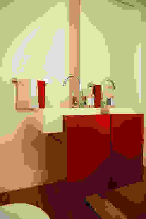 Nice De Cara Arquitetura Modern bathroom