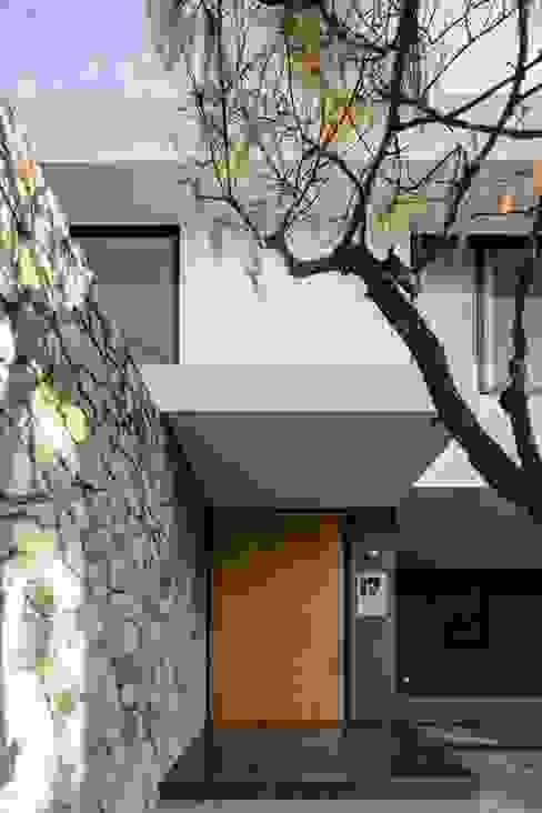 Rumah Modern Oleh Trama Arquitectos Modern