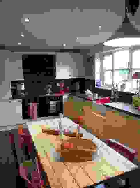 Kitchen Diner Little Mill House Cocinas de estilo ecléctico