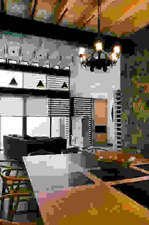 Casa Hornacina - VMArquitectura: Comedores de estilo  por VMArquitectura
