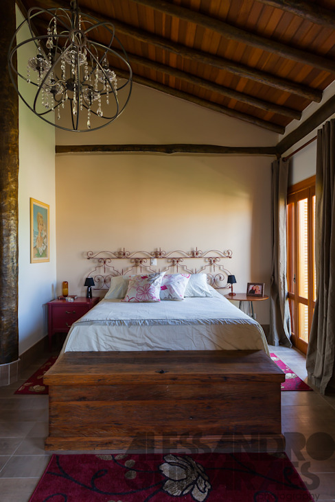 Country style bedroom by SCALI & MENDES ARQUITETURA SUSTENTAVEL Country