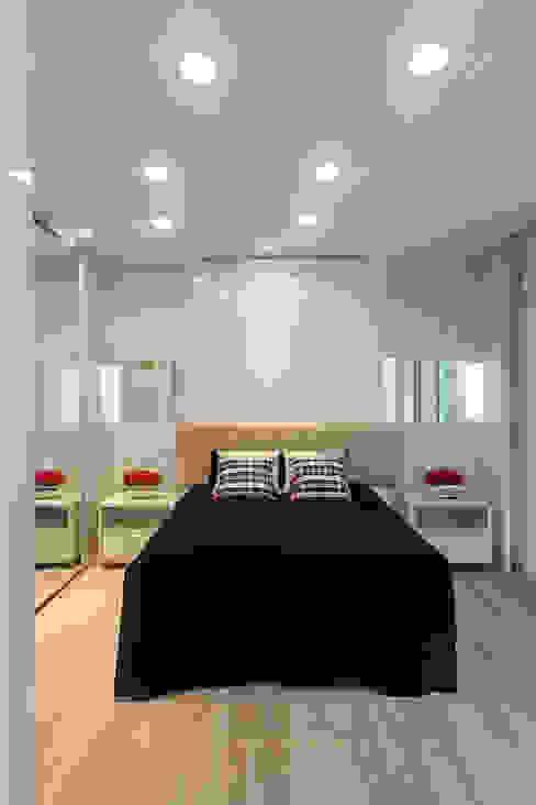 Dormitorios modernos de Arquiteto Aquiles Nícolas Kílaris Moderno Madera Acabado en madera