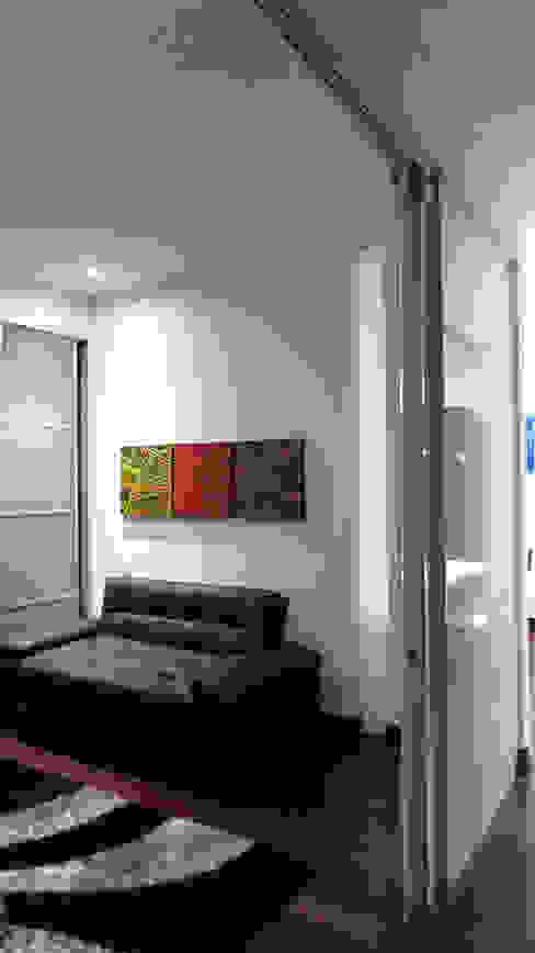 REMODELACIÓN LOFT - ESPACIO DE USO FLEXIBLE Estudios y despachos de estilo minimalista de ARTEKTURE S.A.S Minimalista