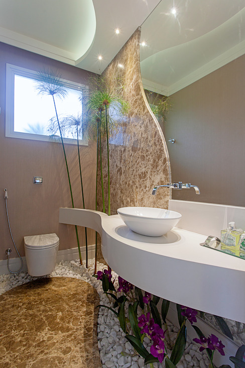 Moderne Badezimmer von Arquiteto Aquiles Nícolas Kílaris Modern Marmor