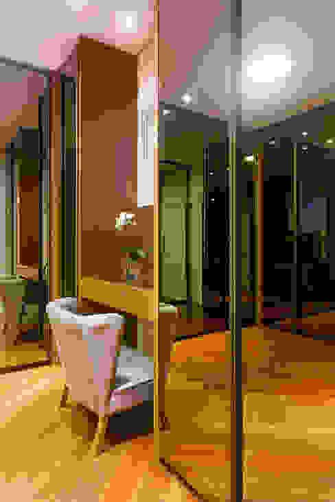 Vestidores y closets de estilo  por Arquiteto Aquiles Nícolas Kílaris, Moderno