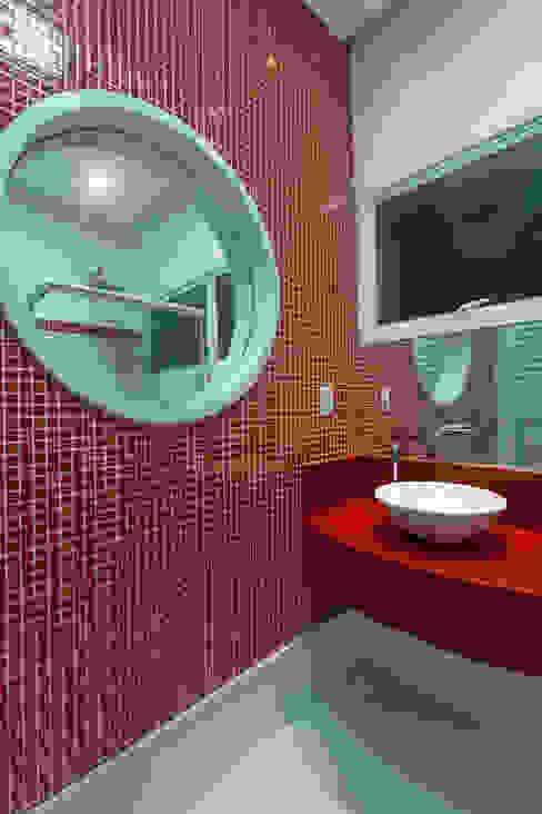 Baños de estilo  por Arquiteto Aquiles Nícolas Kílaris, Moderno Mármol