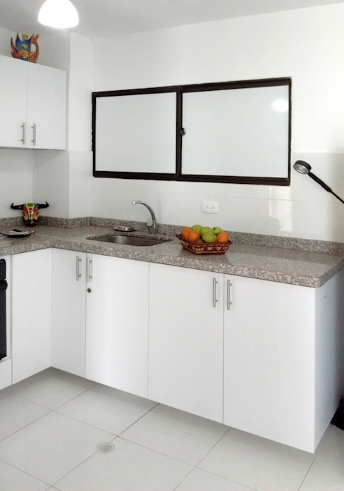 Kitchen by Remodelar Proyectos Integrales, Modern MDF