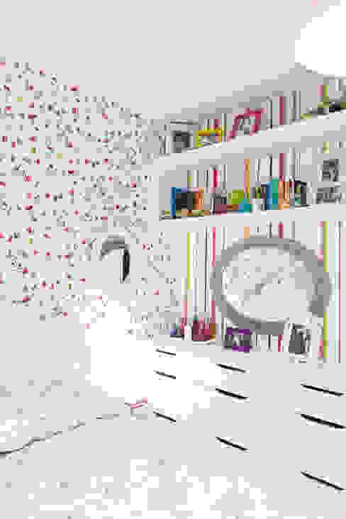 arquiteta aclaene de mello Eclectic style bedroom Wood Pink