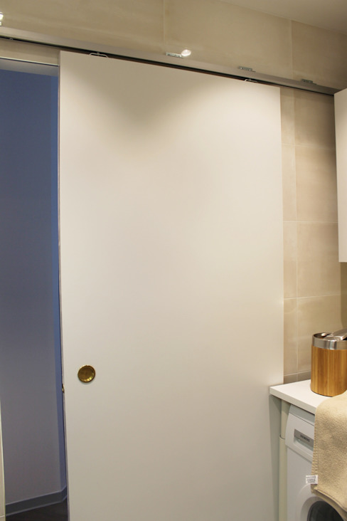 porte coulissante Agence ADI-HOME Salle de bain moderne Bois Gris
