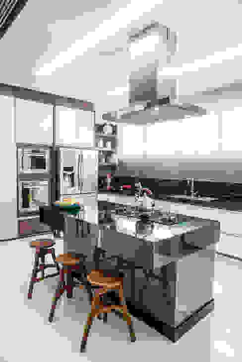 Cocinas de estilo  por Camila Castilho - Arquitetura e Interiores, Moderno