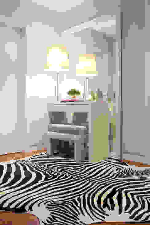 DECORAÇÃO APARTAMENTO PAREDE Corredores, halls e escadas modernos por fernando piçarra fotografia Moderno