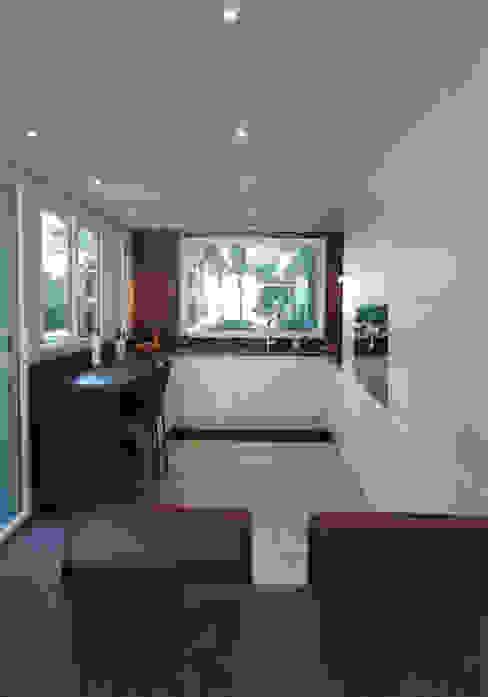 Dapur Modern Oleh UN AMOUR DE MAISON Modern