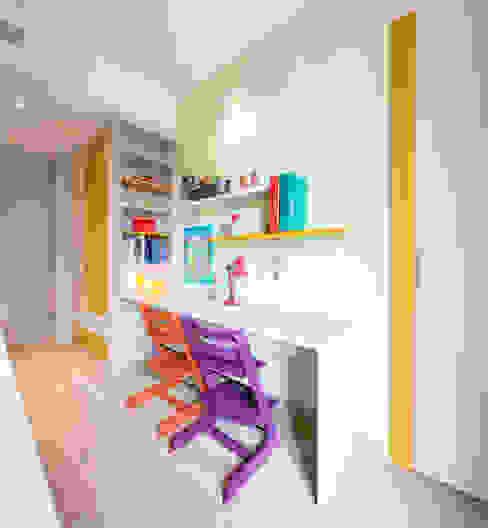 Five little pigs - Un casa per tanti bambini 23bassi studio di architettura Stanza dei bambini moderna