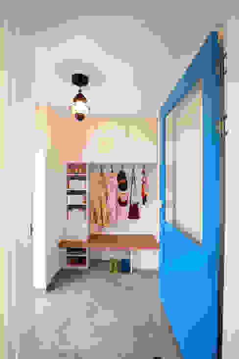 Corridor and hallway by 주택설계전문 디자인그룹 홈스타일토토,