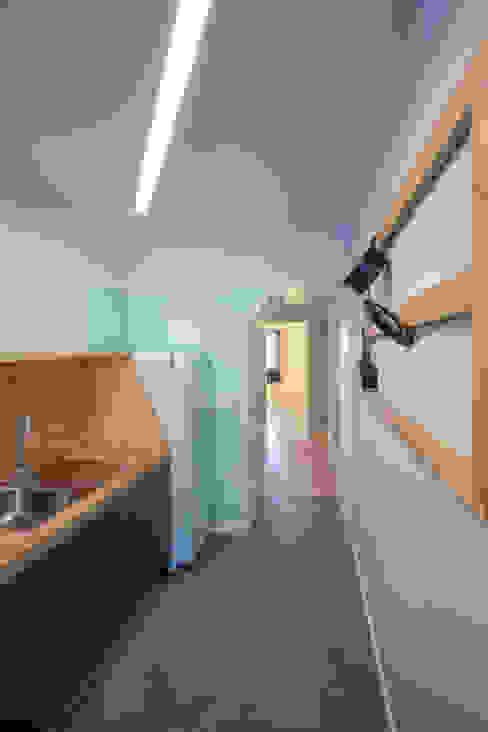 Remodelação T2+1 Duplex Mouraria Cozinhas ecléticas por BL Design Arquitectura e Interiores Eclético