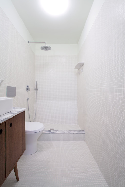 Remodelação T2+1 Duplex Mouraria Casas de banho ecléticas por BL Design Arquitectura e Interiores Eclético
