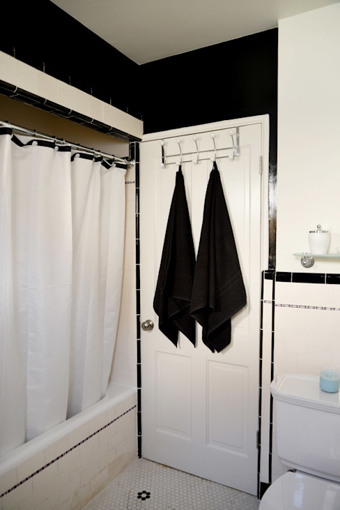 Rejuvenation Project: Baños de estilo  por Erika Winters Design, Minimalista