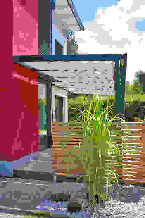 Toldos para patio: sombra al aire libre de TOLDOS SPANNMAXXL.de Moderno Textil Ámbar/Dorado