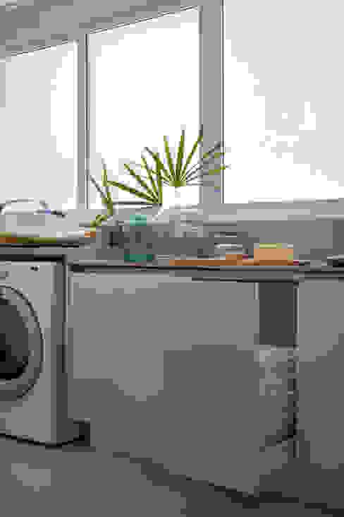 Lavanderia Cozinhas minimalistas por Hobjeto Arquitetura Minimalista