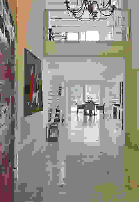 Hall de Entrada Corredores, halls e escadas campestres por IDALIA DAUDT Arquitetura e Design de Interiores Campestre