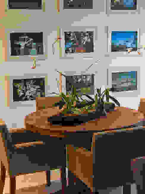 Sala Família: Salas multimídia  por IDALIA DAUDT Arquitetura e Design de Interiores