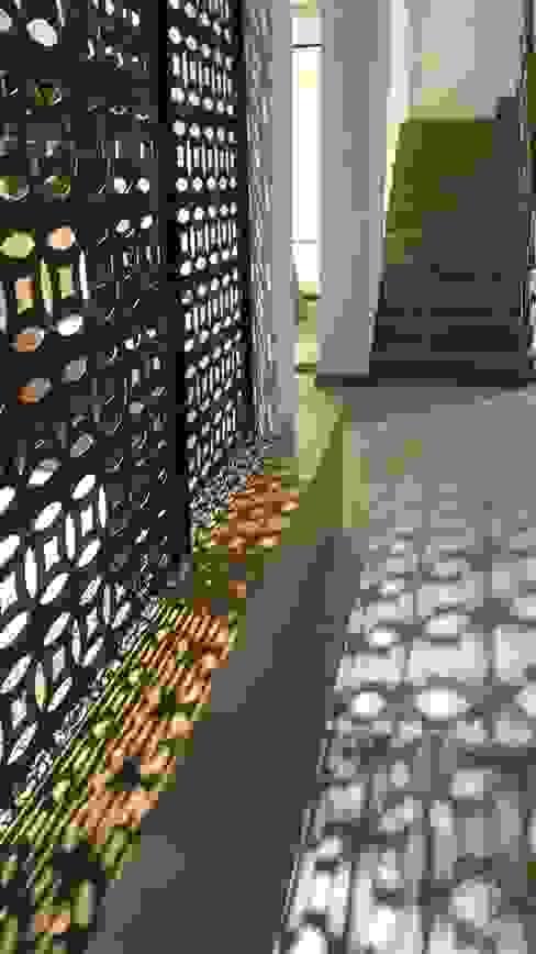 Walls by Lucio Nocito Arquitetura e Design de Interiores , Mediterranean Iron/Steel