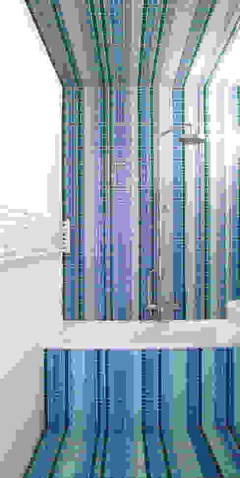 Salle de bain moderne par brandt+simon architekten Moderne Tuiles