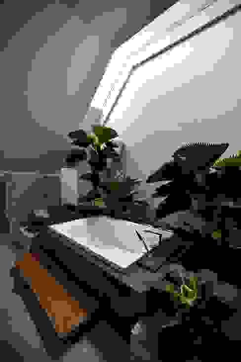 Azjatycka łazienka od Sen's Photographyたてもの写真工房すえひろ Azjatycki