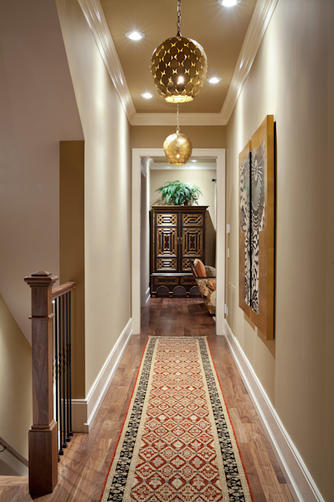 Classic style corridor, hallway and stairs by Andrea Schumacher Interiors Classic