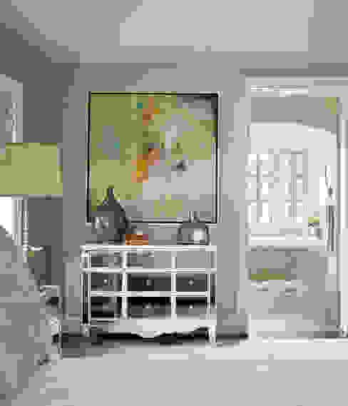 Eklektyczna sypialnia od Andrea Schumacher Interiors Eklektyczny