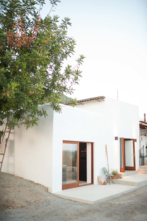 Casas de estilo  por Ibiza Interiors - Nederlandse Architect Ibiza