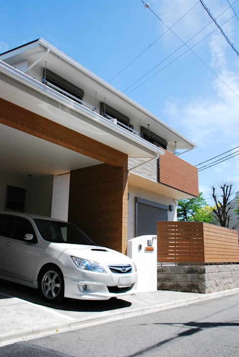 Modern garage/shed by SSD建築士事務所株式会社 Modern Wood Wood effect