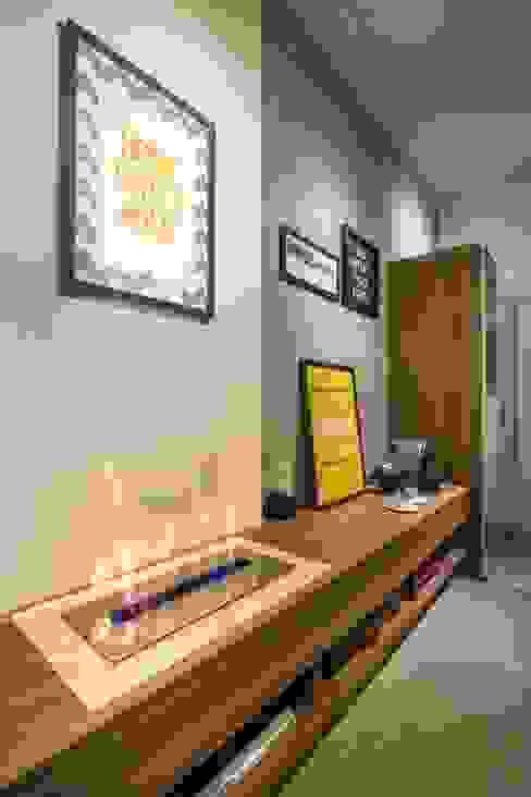 Modern living room by Caroline Vargas | C. Arquitetura Modern