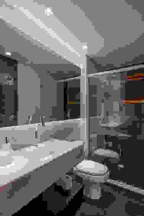 Banho Social Banheiros modernos por Caroline Vargas | C. Arquitetura Moderno