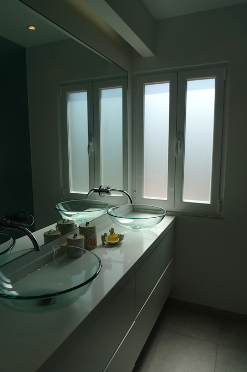Bathroom by QFProjectbuilding, Unipessoal Lda, Modern