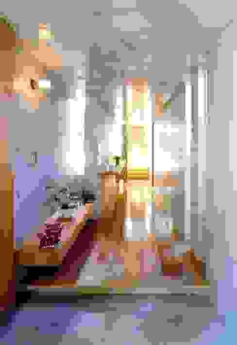七郷の家 モダンスタイルの 玄関&廊下&階段 の FrameWork設計事務所 モダン