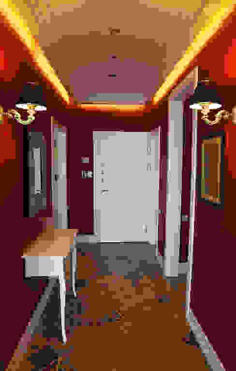 Classic style corridor, hallway and stairs by İndeko İç Mimari ve Tasarım Classic