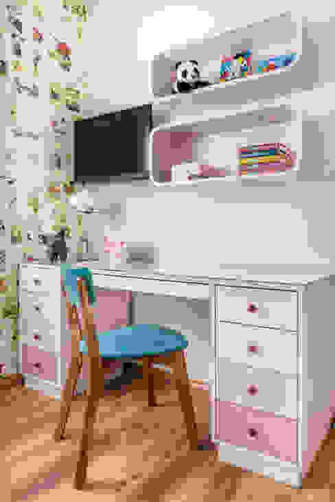 Quarto infantil menina 11 anos: Quarto infantil  por Alma em Design