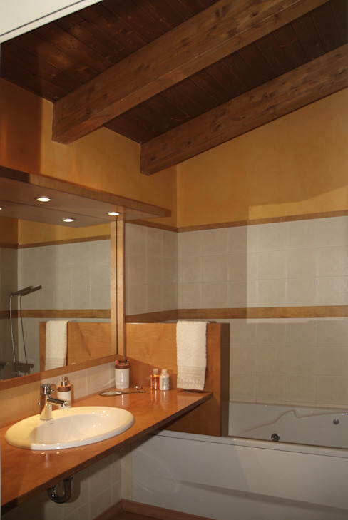 Bathroom by RIBA MASSANELL S.L., Mediterranean Wood Wood effect